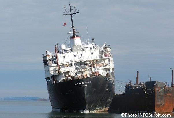 cargo bateau abandonne Kathryn_Spirit a Beauharnois Photo INFOSuroit_com
