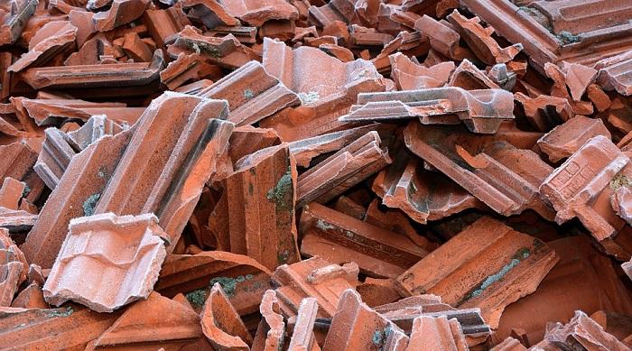 Briques-residus-materiaux-construction-Photo-PIxabay-publiee-par-INFOSuroit_com