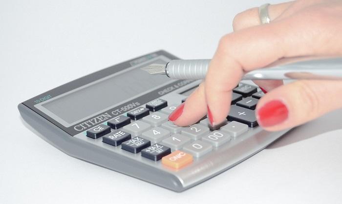 Calculatrice-image-Pixabay-publiee-par-INFOSuroit_com