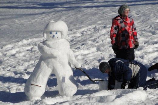 Parc-regional-des-iles-Saint_Timothee-Amis-du-Parc-bonhomme-de-neige-Photo-courtoisie-publiee-par-INFOSuroit_com