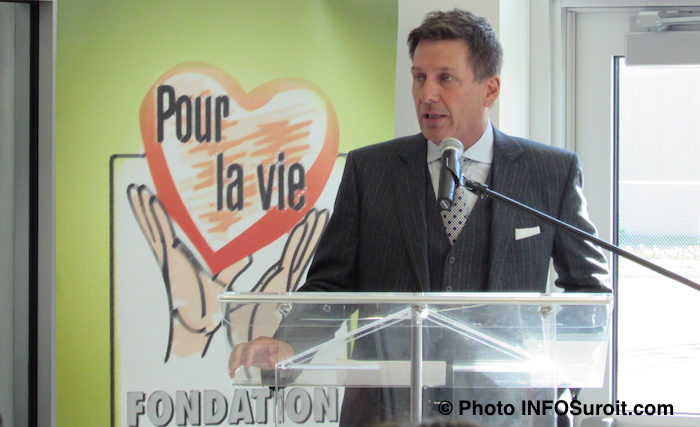 Pierre_Moreau a inauguration Centre de Sante Chateauguay octobre 2015 Photo INFOSuroit
