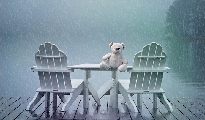 deuil perinatal pluie ourson chaises Photo Pixabay via INFOSuroit_com