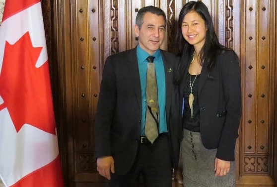 ministre-federal-Hunter_Tootoo-et-deputee-Anne_Quach-Photo-courtoisie-publiee-par-INFOSuroit