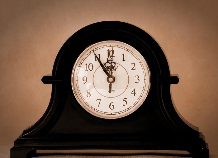 Heure-horloge-temps-photo-Pixabay-publiee-par-INFOSuroit-com