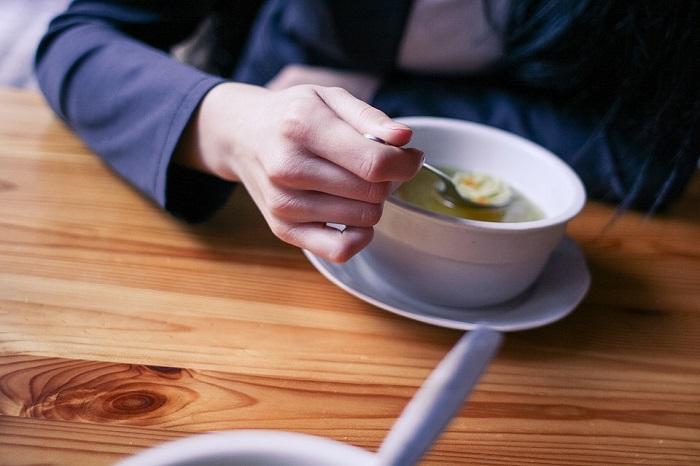 Soupe-nourriture-photo-Pixabay-publiee-par-INFOSuroit-com