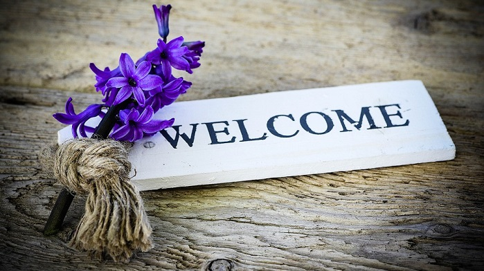 Welcome-bienvenue-photo-Pixabay-publiee-par-INFOSuroit_com