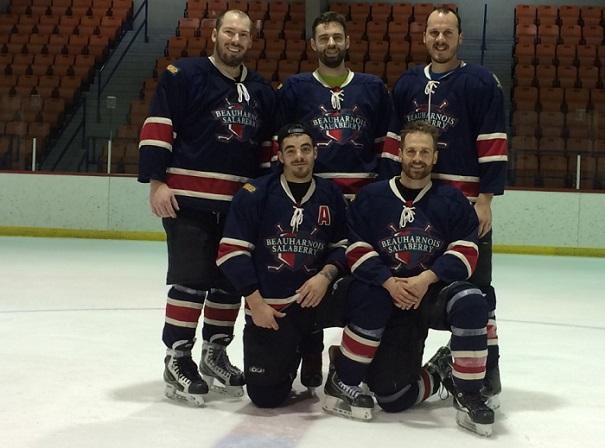 Hockeyton des policiers de la SQ les 5 joueurs qui ont joue 18 heures photo courtoisie