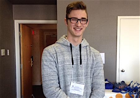 Samuel_Nolet au congres des registraires en oncologie a Longueuil photo courtoisie