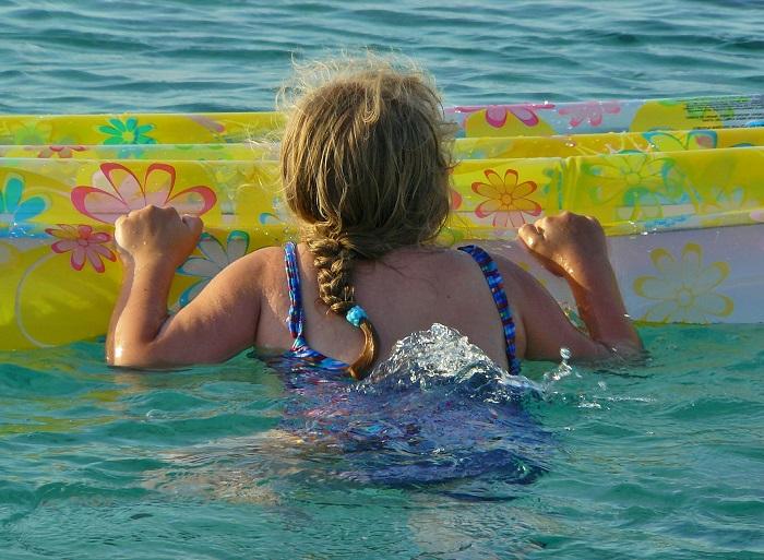 baignade enfant piscine mer flotteur photo Pixabay via INFOSuroit
