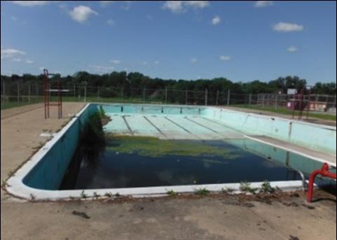 Piscine ext rieure ormstown la population peut s for Construction piscine municipale