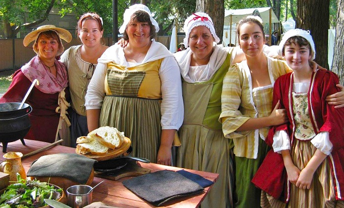 Habitants_du_Fort Femmes fete seigneurie Chateauguay Photo courtoisie HSB Copyright Valery_Filion