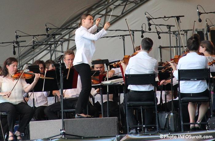 OSM a Rigaud chef Dina_Gilbert et musiciens Photo INFOSuroit