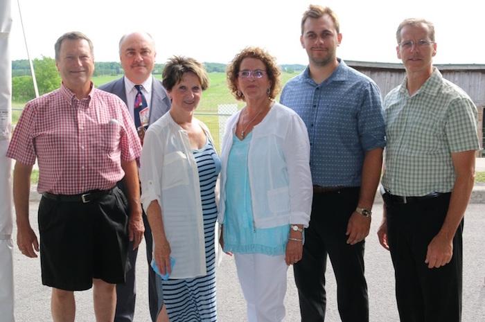 conseillers municipaux de St-Urbain-Premier avec la mairesse Photo courtoisie via INFOSuroit
