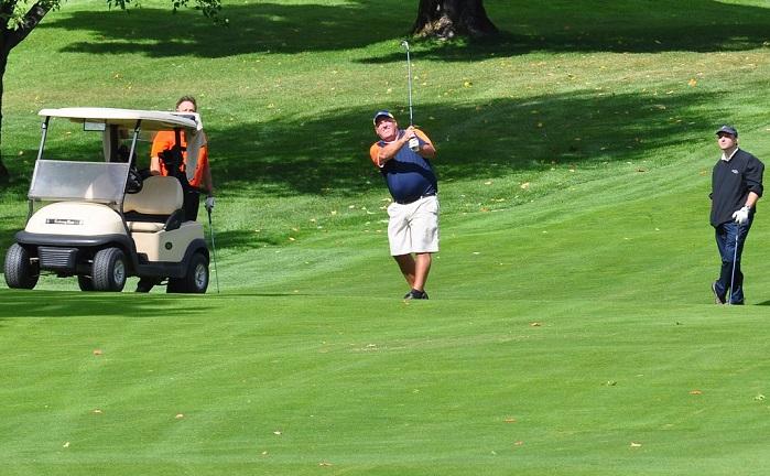 golf terrain de golf balle golfeurs voiturette Photo Pixabay par INFOSuroit