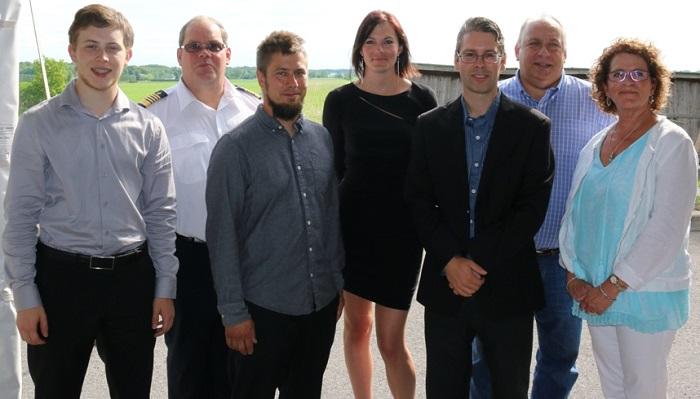 personnel de St-Urbain-Premier avec mairesse juillet 2016 Photo courtoisie