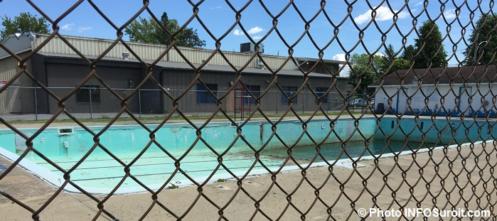 piscine fermee depuis 2009 a Ormstown Photo INFOSuroit_com