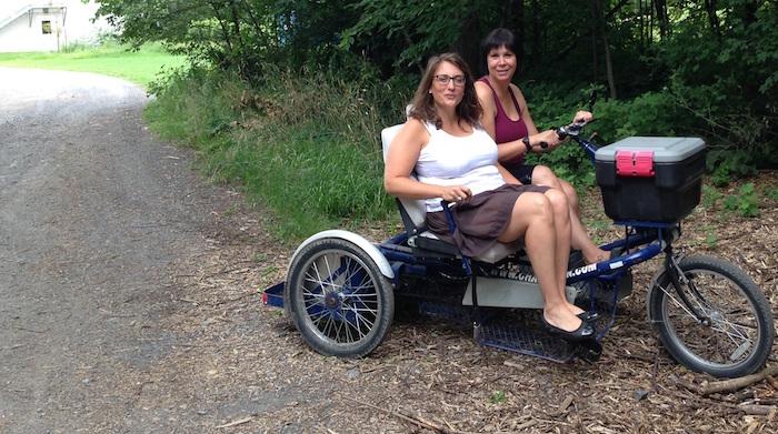 velo adapte en location pour personnes handicapees JA_Numainville et A_Jalbert-Desforges Photo courtoisie