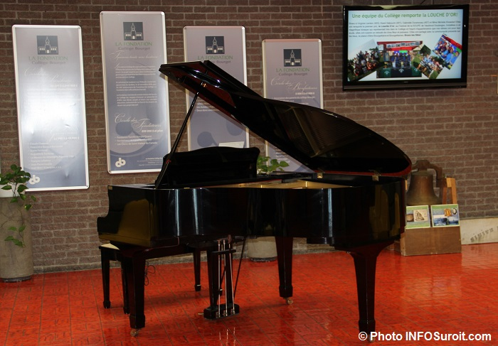 piano-a-queue-college-bourget-a-rigaud-photo-infosuroit