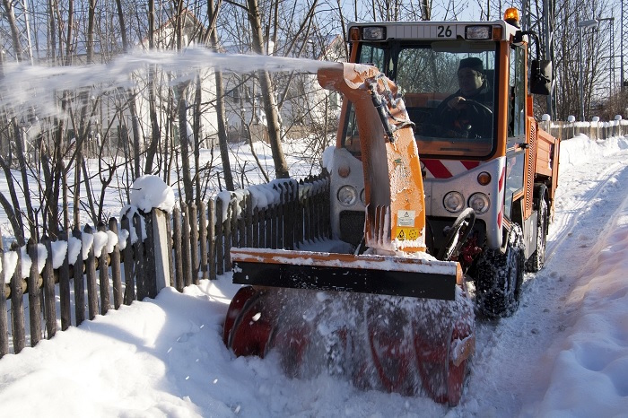 deneigeur-deneigement-souffleur-a-neige-hiver-photo-pixabay-via-infosuroit