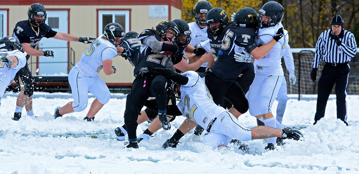 college-valleyfield-football-match-23-oct-a-thedfordmines-photo-courtoisie