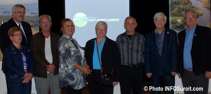 maires-de-la-mrc-hautstlaurent-avec-nouveau-logo-photo-infosuroit