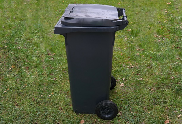 poubelle-bac-roulant-a-ordures-dechets-photo-pixabay-via-infosuroit