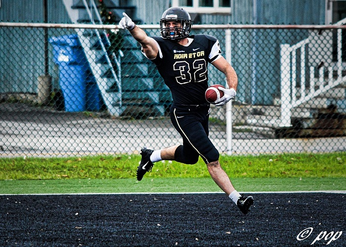 college-valleyfield-noiretor-maximegareau-32-football-2016-nov2016-photo-pop-via-colval