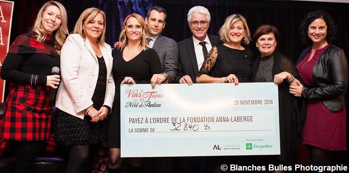 fondation-anna-laberge-vins-et-tapas-2016-remise-cheque-photo-blanches-bulles-photographie