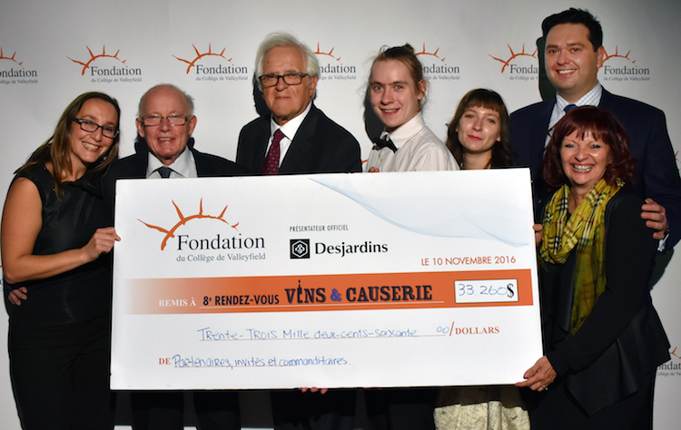 fondationcollegevalleyfield-vinscauserie-2016-cheque-photo-colval