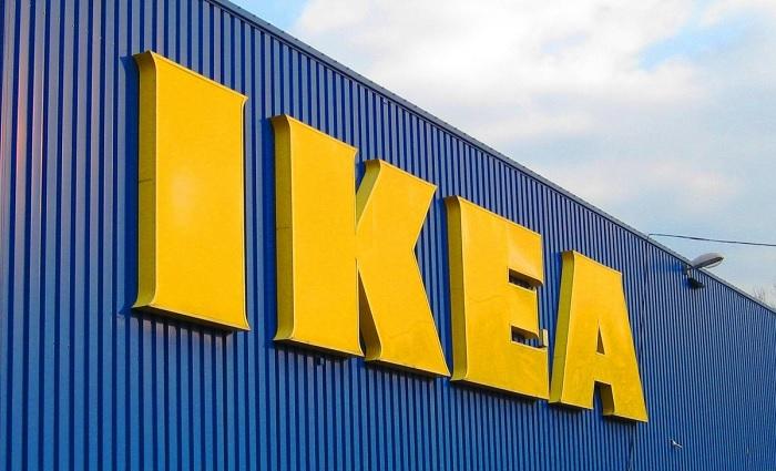 ikea-logo-sur-batisse-annonce-centre-distribution-bientot-beauharnois