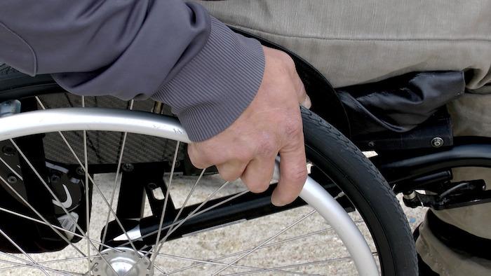 chaise-roulante-personne-avec-handicap-physique-photo-pixabay-via-infosuroit