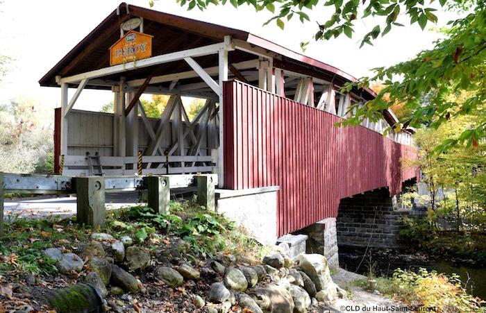 tourisme-pont-percy-powerscourt-visuel-guide-moto-copyright-photo-cld_haut-saint-laurent