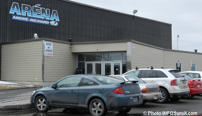 arena-andre-richard-ville-de-beauharnois-entree-photo-infosuroit
