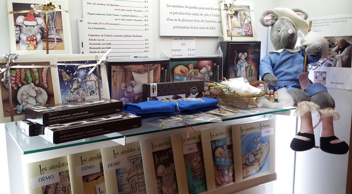 boutique-noel-2016-livres-cyprienne-produits-derives-photo-courtoisie-musee-regional-vs