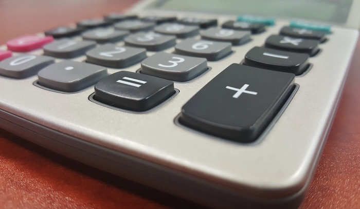 calculatrice-budget-taxe-photo-brett_hondow-via-pixabay