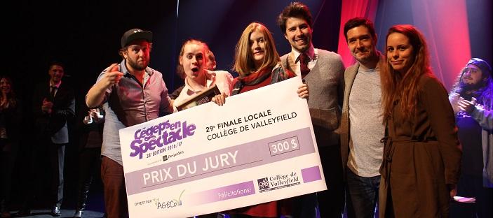 finale-2016-cegespenspectacle-collegevalleyfield-jury-avec-marcantoinebedard-gagnant