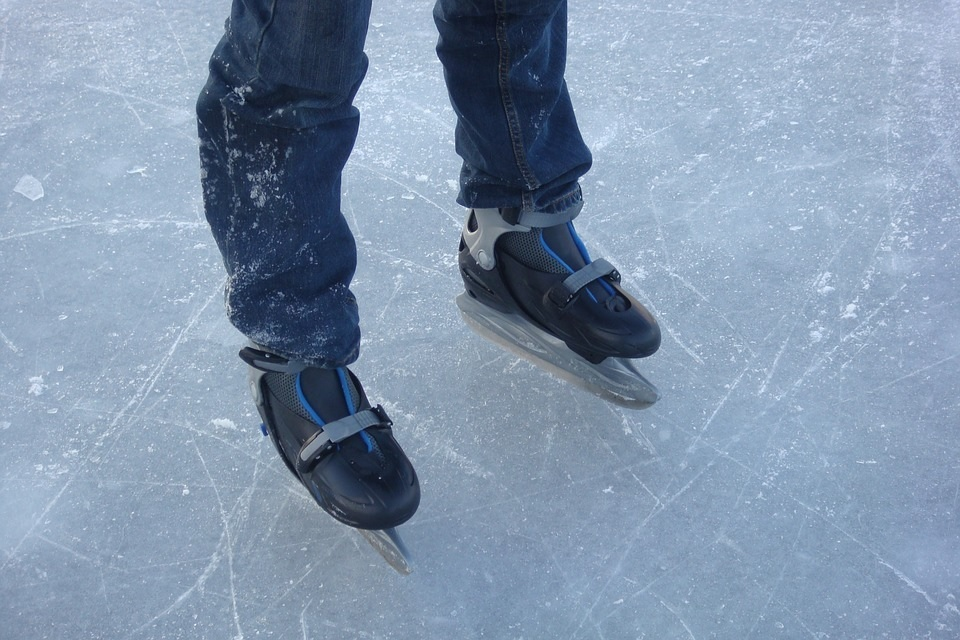 patins-patinage-glace-photo-jedidja-via-pixabay