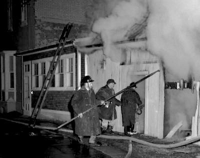anciens-pompiers-de-rigaud-au-travail-incendie-histoire-photo-rigaud