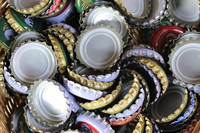 bouchons de bouteilles biere ou liqueur Photo TerimaKasih0 via Pixabay
