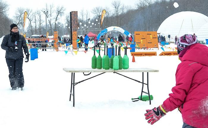 festival Glisse_et_Reglisse 2017 Rigaud hiver quilles jeux escalade igloo Photo courtoisie