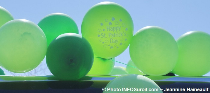 Defile St-Patrick Chateauguay ballons Photo INFOSuroit-Jeannine_Haineault