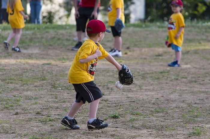 balle molle baseball sport loisir jeunes Photo BruceEmmerling via Pixabay publiee par INFOSuroit