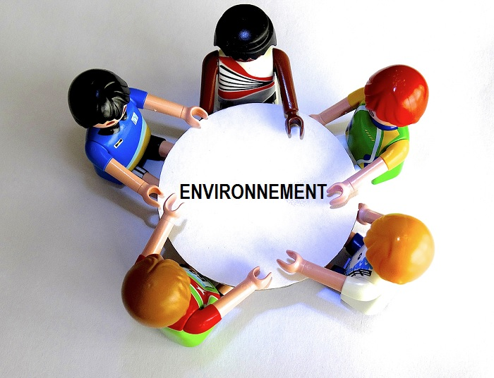 table ronde echanges discussion environnement image de base 422737 via Pixabay