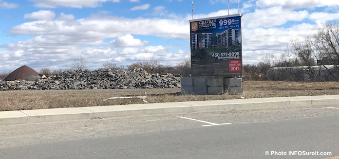enseigne site ChateauBellevue rue Fabre a Valleyfield Photo INFOSuroit