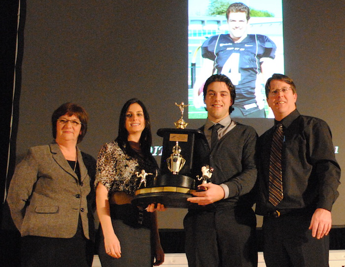 AlexandreChevrier joueurparExcellence football NoiretOr CollegeValleyfield 2012 Photo ColVal