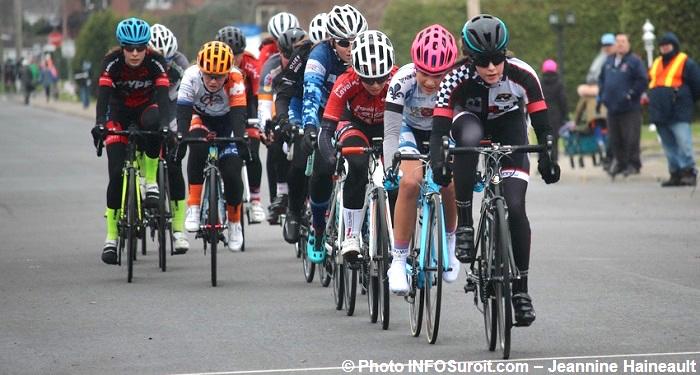 cyclistes-minimes-et-cadets-Criterium-Beauharnois-2017-Photo-INFOSuroit-Jeannine_Haineault