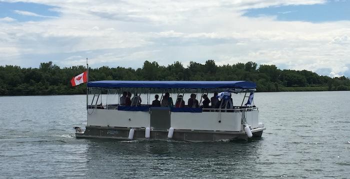 bateau ponton navette LesCedres St-Timothee Photo courtoisie CLD