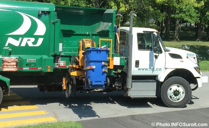 recuperation camion NRJ bac de matieres recyclables saison estivale Photo INFOSuroit