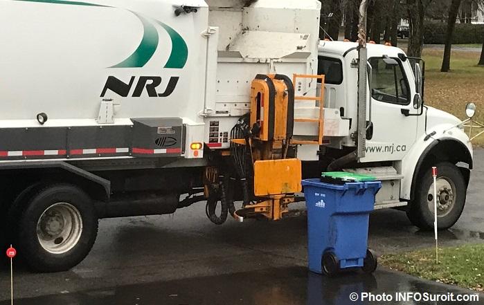 recuperation camion NRJ et bac matieres recyclables automne hiver Photo INFOSuroit