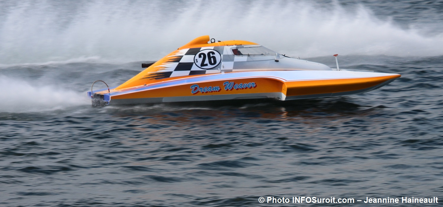 Regates Valleyfield 2017 champion hydroplane 2 point 5 litres KevinSmith S26 Photo INFOSuroit-Jeannine_Haineault